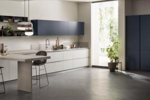 Cucina Scavolini Mod. DeLinea Finitura Decorativo Concrete Jersey, Laccato Opaco Blu Moon