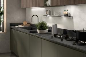 Cucina Scavolini Mod. LiberaMente Finitura Laccato Opaco Verde Minerale e Decorativo Noce Garden
